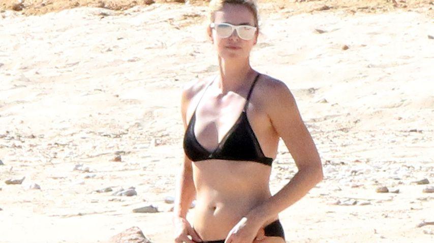Bikini-Babe mit 42: Charlize Theron zeigt ihren Hammer-Body!