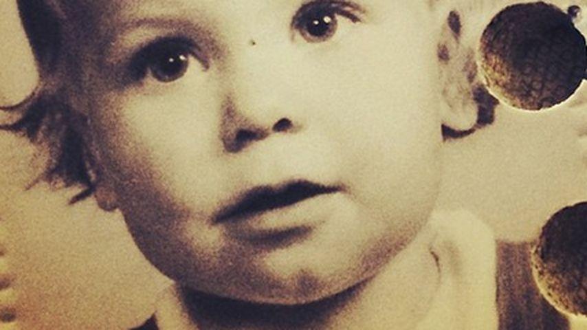 Zu welcher Promi-Dame gehört dieses Kinderfoto?