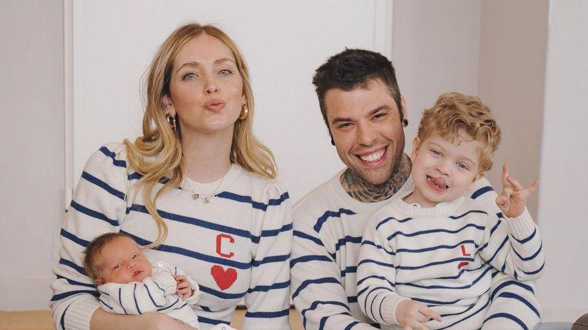Chiara Ferragnis Familie posiert im lässigen Partnerlook!