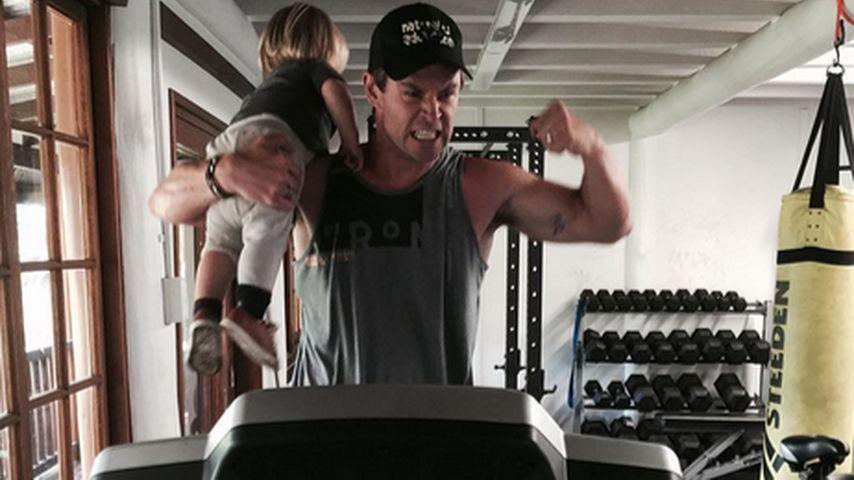 So trainiert Chris Hemsworth: Sohn als Trainings-Gewicht