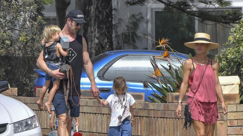 Chris Hemsworth, Elsa Pataky und ihre Kinder in Australien