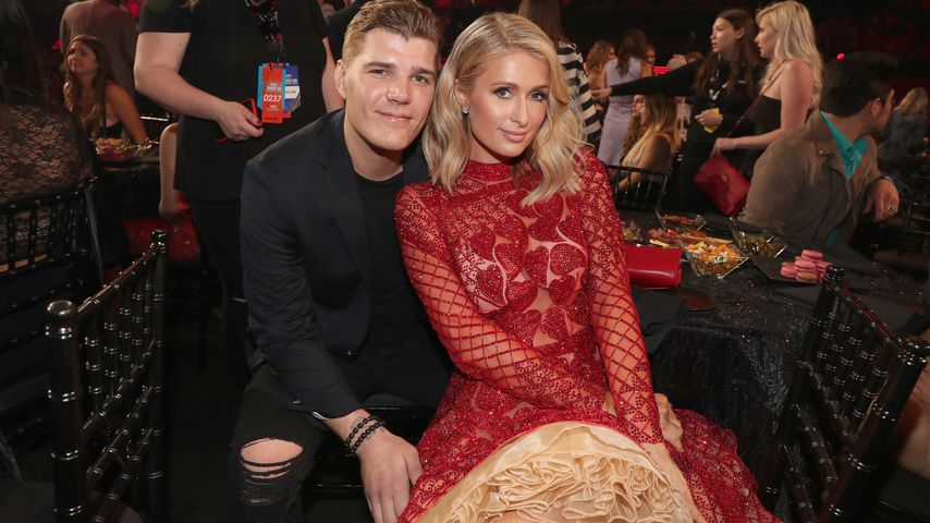 Chris Zylka und Paris Hilton bei den iHeartRadio Music Awards 2018