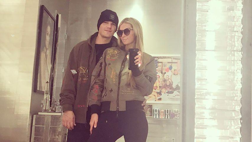Chris Zylka und Paris Hilton beim Posen