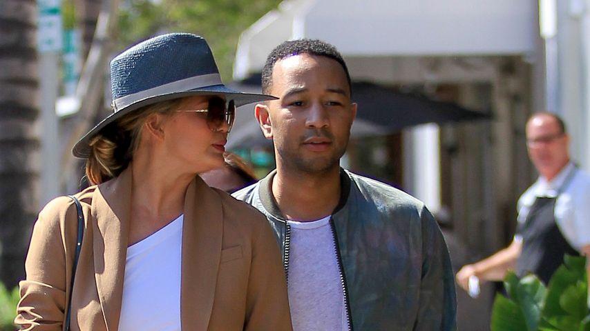 Chrissy Teigen und John Legend beim Spaziergang in LA