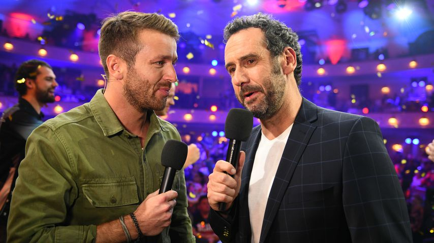 "Christian Düren und Elmar Paulke, Moderatoren der ""Promi-Darts-WM"""