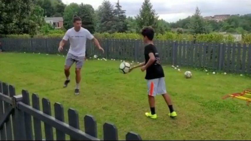 Cristiano Ronaldo und sein Sohn Christiano Junior im Mai 2020