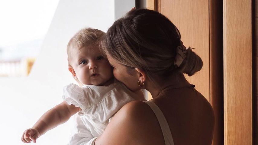 Christin Kaeber mit ihrer Tochter Nia