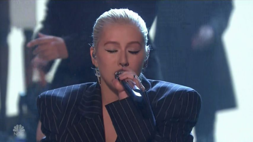"Christina Aguilera singt ""Fall In Line"" in der ""The Tonight Show Starring Jimmy Fallon"""