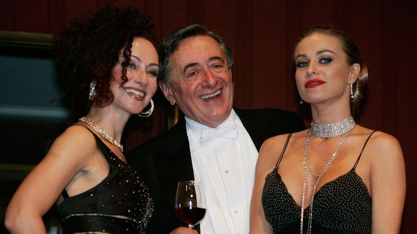 Christina und Richard Lugner mit Carmen Electra beim Wiener Opernball, 2006