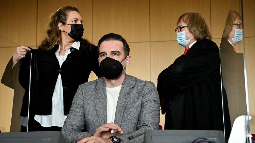 Christoph Metzelder im Gerichtssaal, April 2021 in Düsseldorf
