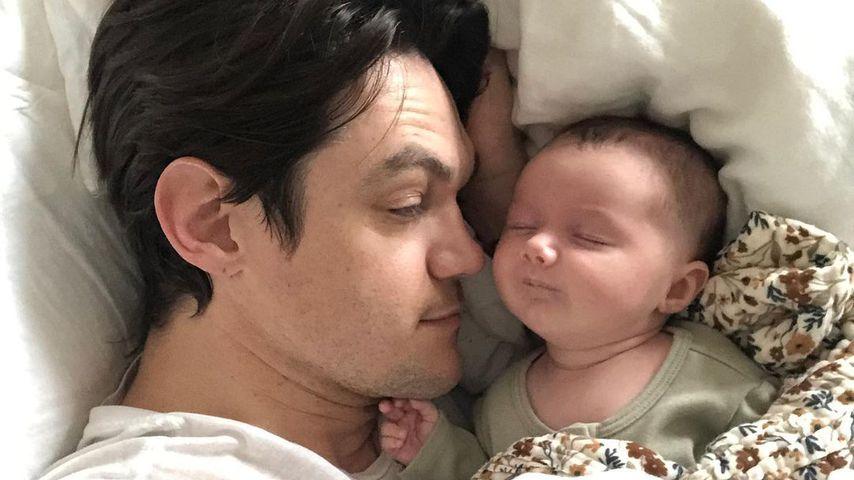 Christopher French mit seiner Tochter Jupiter