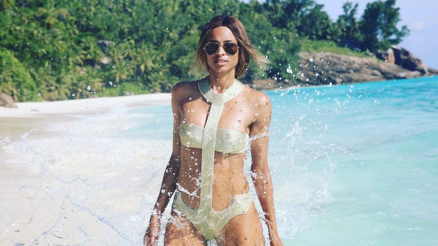 Nach Verlobung mit Russell: Ciara supersexy im Monokini