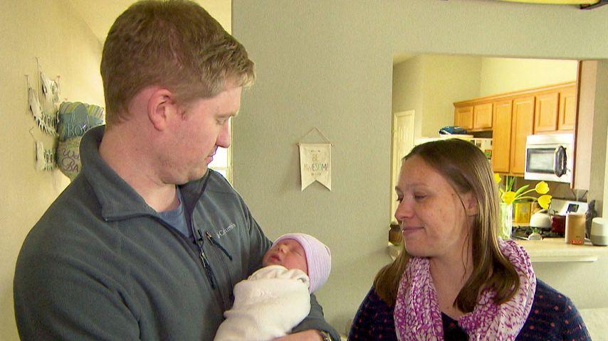 Coleman Burnett und Janina Reimann mit ihrem Sohn Charles William