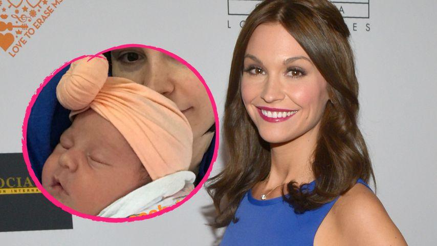 """""""Prinzessin Peach"""": Lisa Osbourne schmust mit Baby Minnie"""