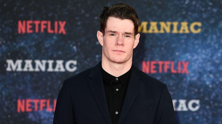 Connor Swindells, Schauspieler