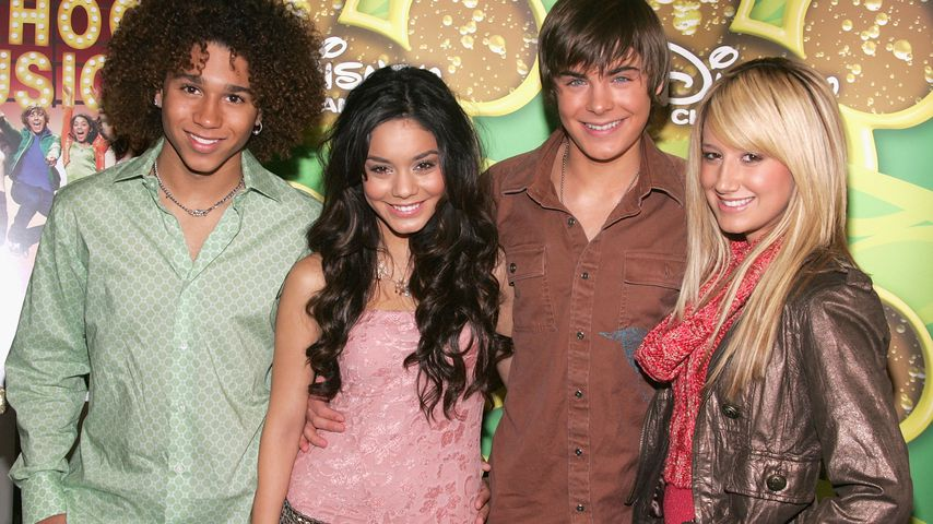 Corbin Bleu, Vanessa Hudgens, Zac Efron und Ashley Tisdale im Dezember 2005