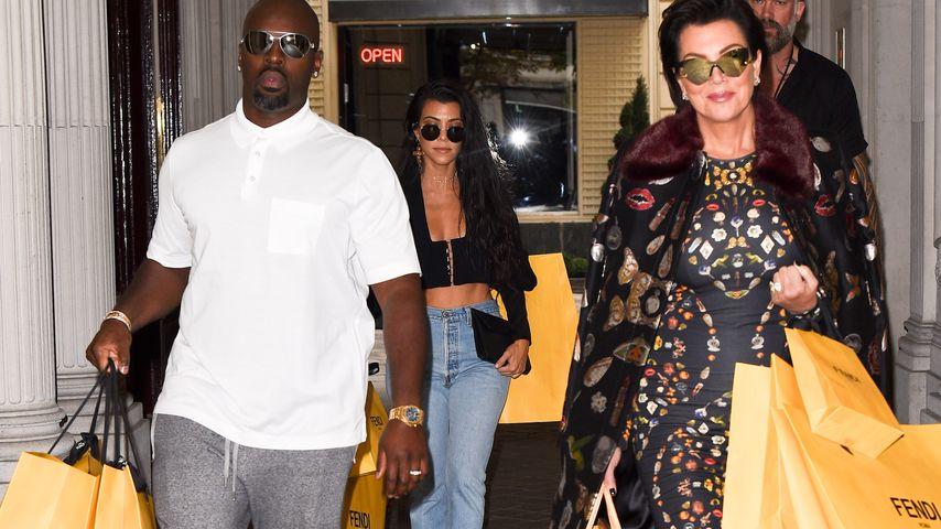 Corey Gamble, Kourtney Kardashian und Kris Jenner in Paris
