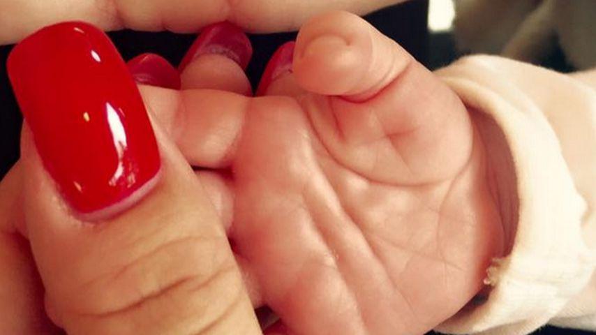 Ganz die Mama: Katzenberger zeigt Sophias Patschehändchen