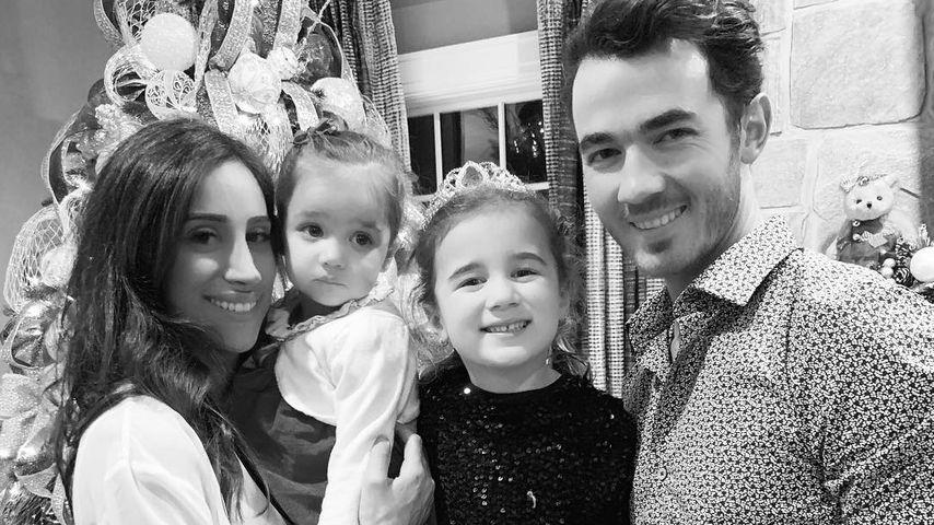Danielle und Kevin Jonas und ihre Kinder