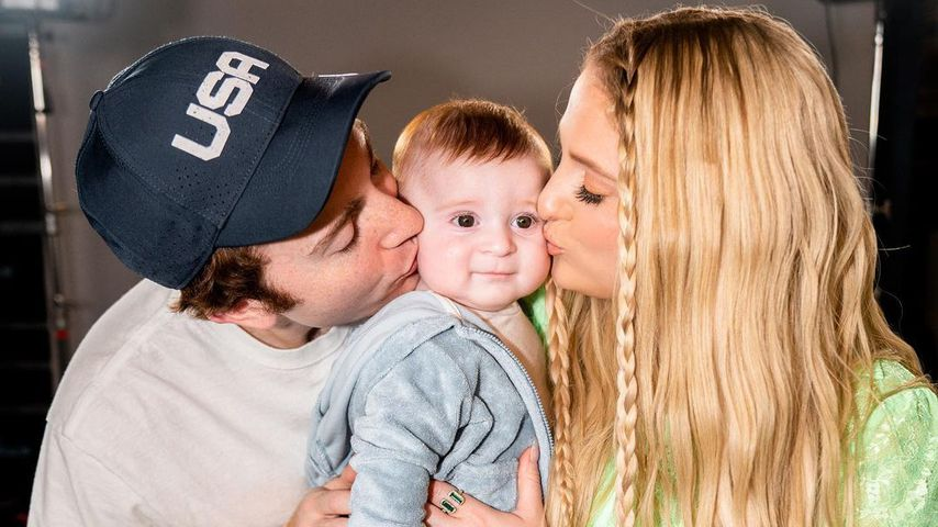 Daryl Sabara und Meghan Trainor mit ihrem Sohn Riley