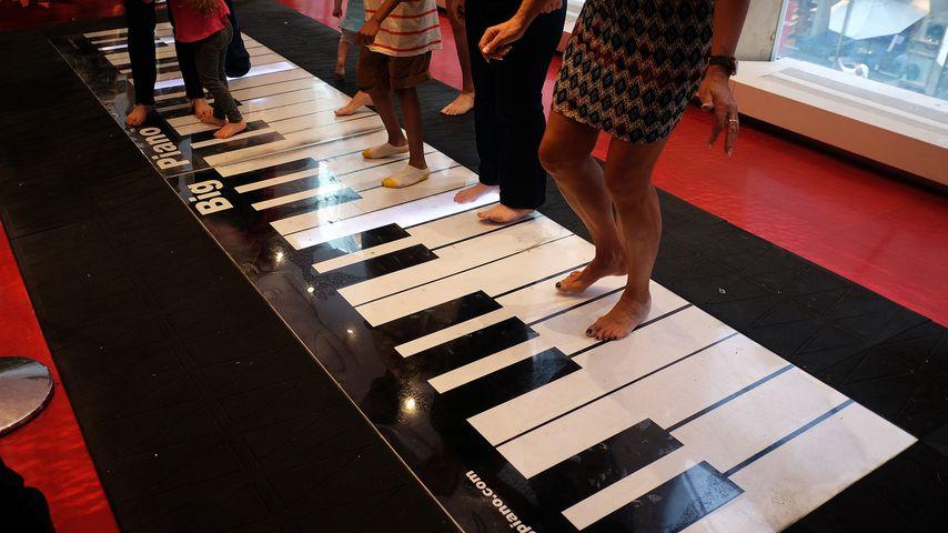 """Das """"Big Piano"""" bei FAO Schwarz"""