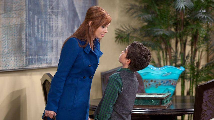 """Debby Ryan und Cameron Boyce in der Serie """"Jessie"""", November 2011"""