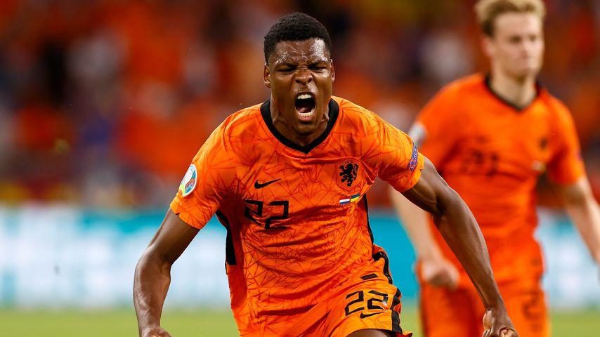 Denzel Dumfries nach dem dritten Tor für die Niederlande gegen die Ukraine