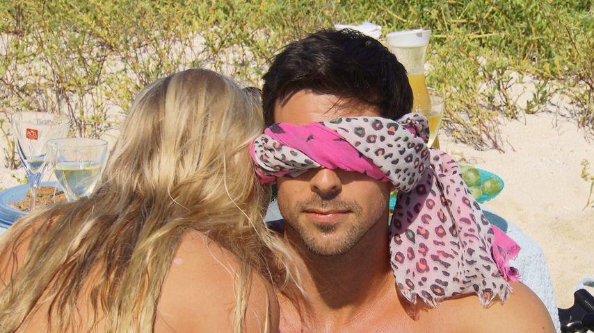 Blinder Bachelor: Leo geht auf Tuchfühlung mit den Mädels!