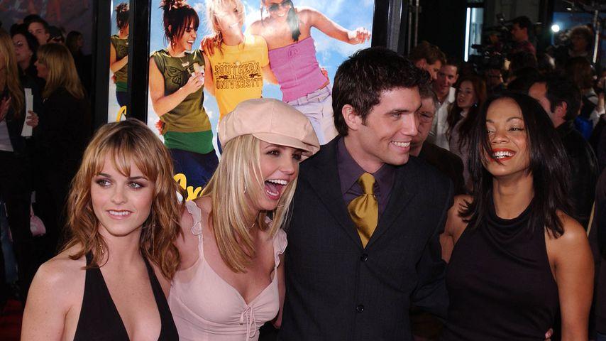 """Der Cast von """"Not a Girl"""" auf der Filmpremiere in L.A. im Februar 2002"""