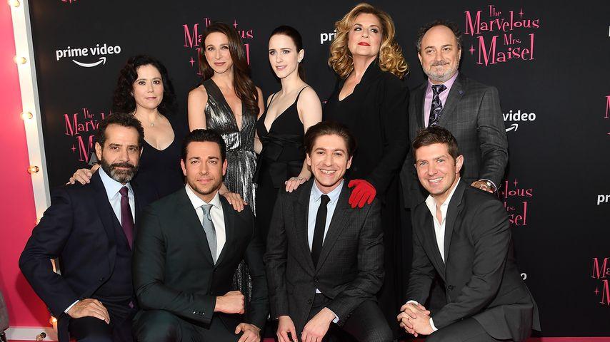 """Der Cast von """"The Marvelous Mrs. Maisel"""" bei der Premiere im November 2018"""
