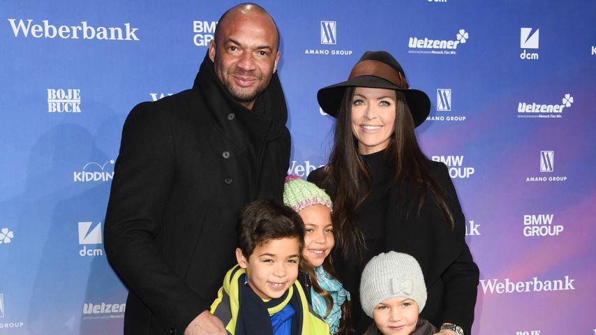 """Detlef D! Soost und Kate Hall mit ihren Kindern bei der Premiere von """"Bibi & Tina"""" in Berlin"""