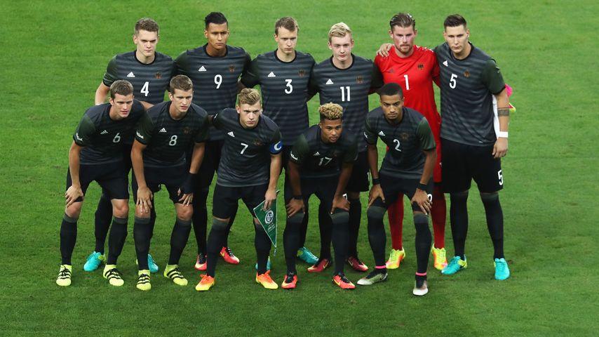 Deutsches Fußball-Olympia-Team vor dem Finalspiel gegen Brasilien