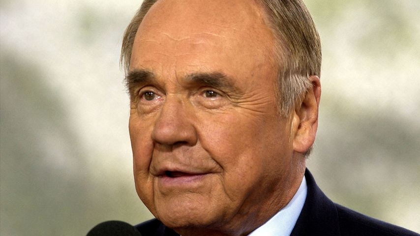 Journalist Dick Enberg