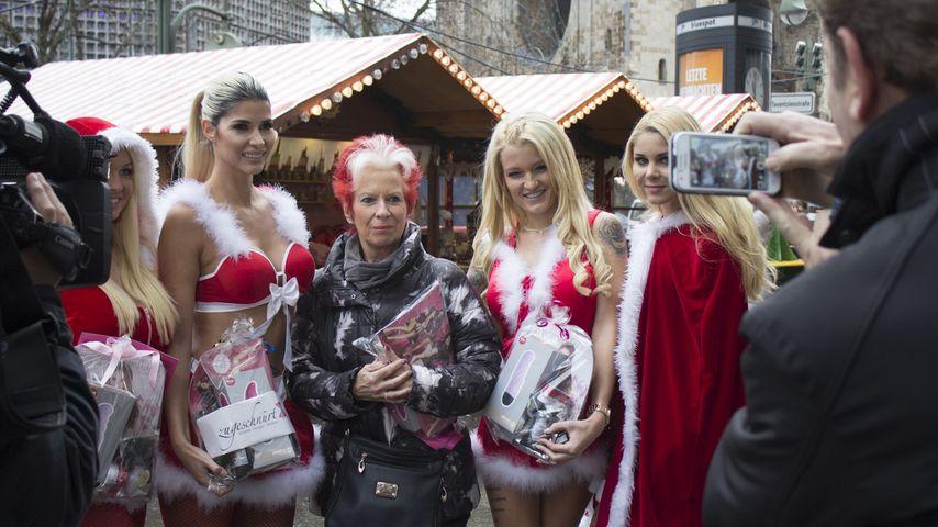 Erotische Geschenke: Micaela Schäfer & Co. verteilen Dildos!