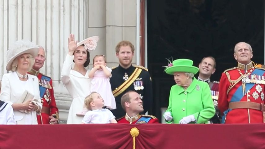 Typisch Oma! Hier schimpft die Queen mit Enkel Prinz William