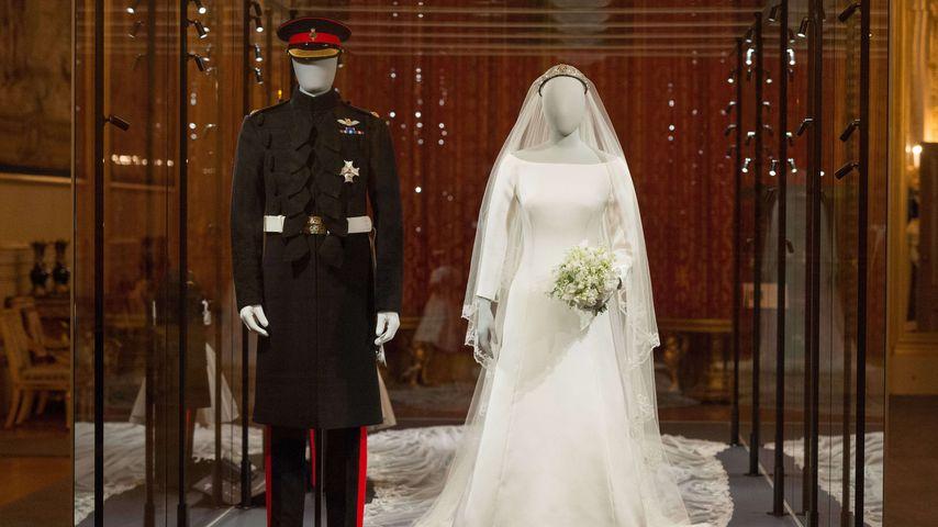 Die Hochzeits-Outfits von Prinz Harry und Herzogin Meghan in der Ausstellung auf Schloss Windsor
