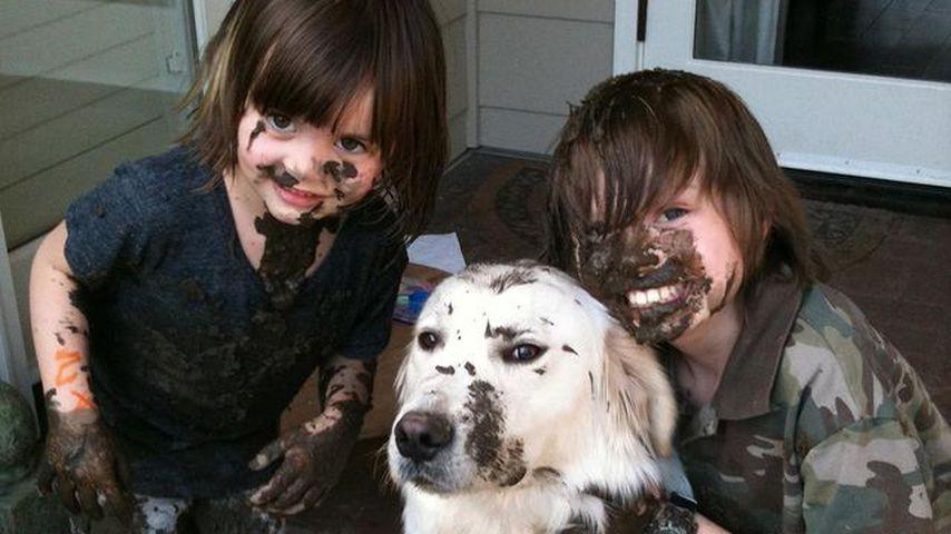 Die Kinder von James Marsden mit ihrem Hund Buddy