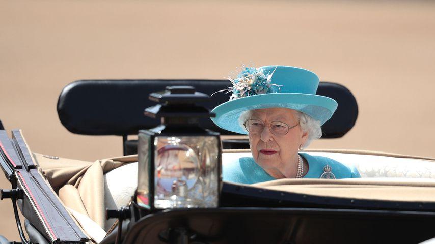 Trooping the Colour: Die Queen schaute vorher Pferderennen!