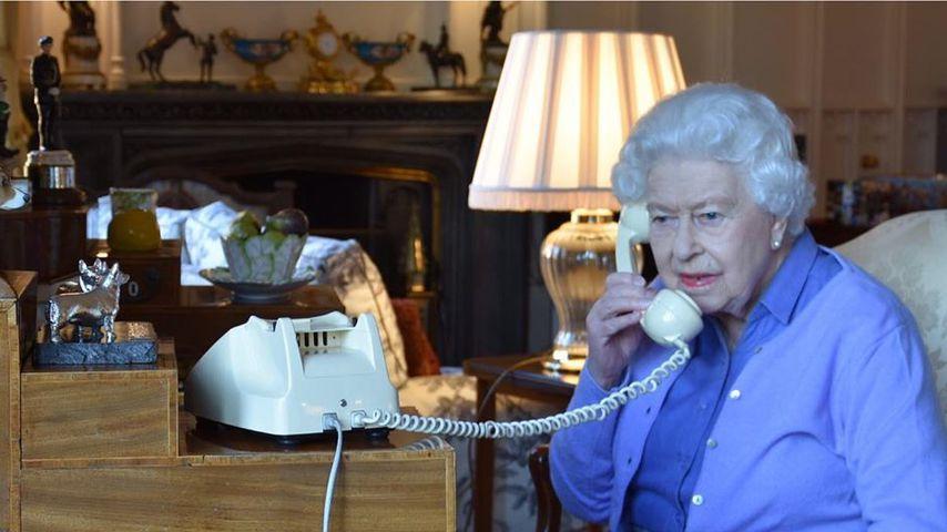 Neues Foto zeigt: Queen nutzt noch ein Oldschool-Telefon