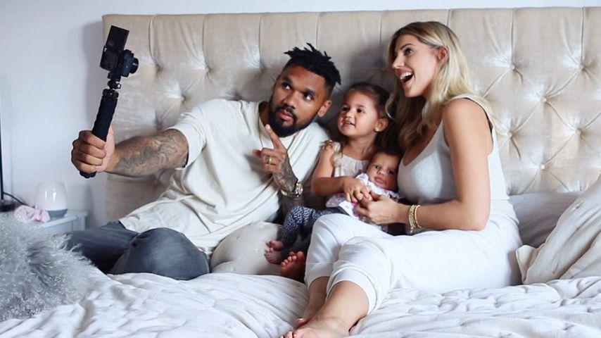Dominic und Sarah Harrison mit ihren Töchtern