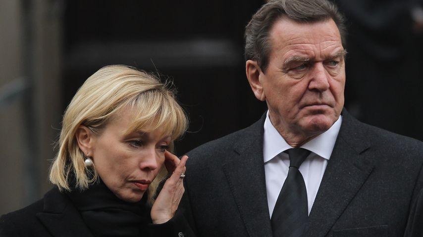 Fast unbemerkt: Gerhard Schröder & Doris sind geschieden!