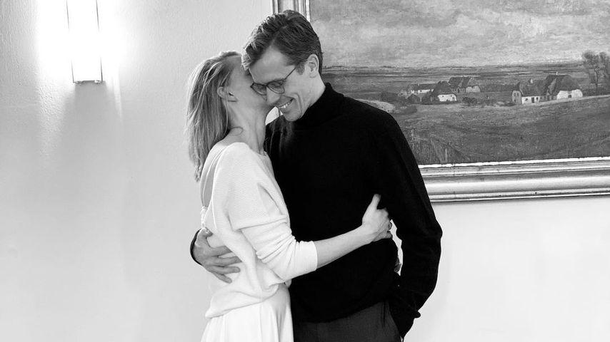 Dr. Johannes Wimmer und seine Frau auf dem Standesamt