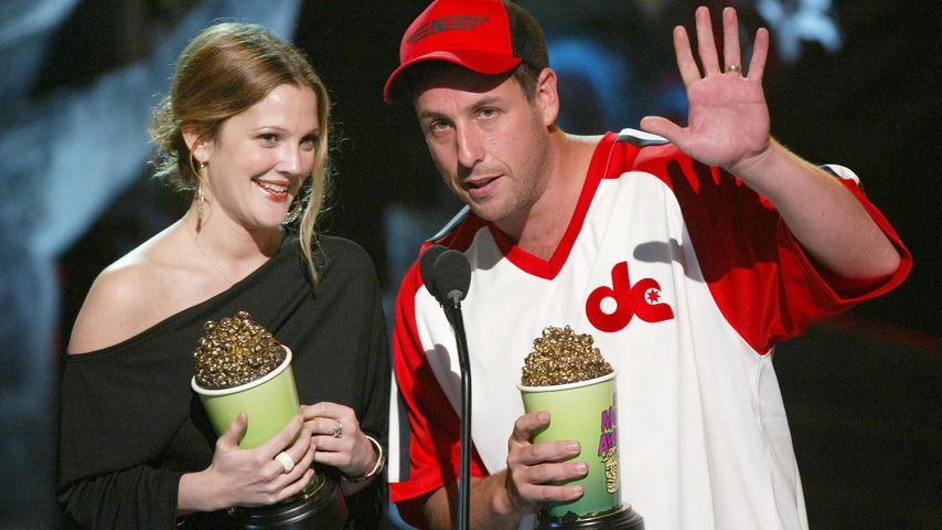Drew Barrymore und Adam Sandler bei den MTV Movie Awards 2004