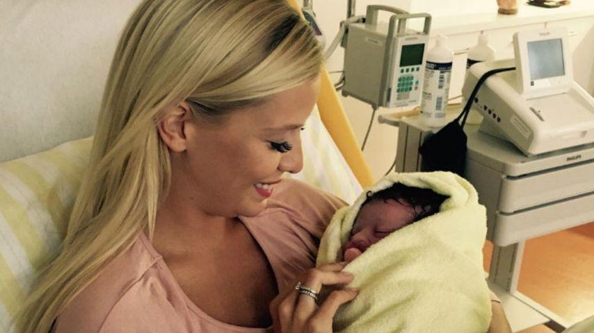 DSDS-Star Oksana Kolenitchenko und ihre Tochter Arielle kurz nach der Geburt