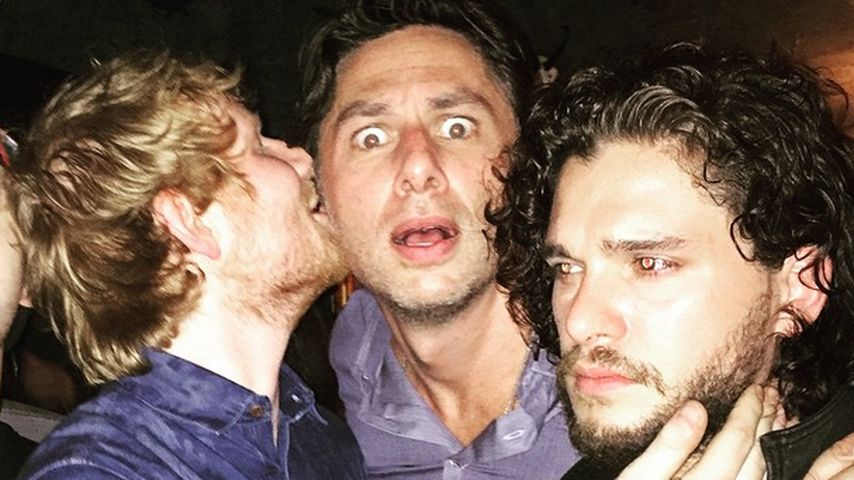 """Ed Sheeran küsst Zach Braff und """"Jon Snow"""" weiß gar nichts"""