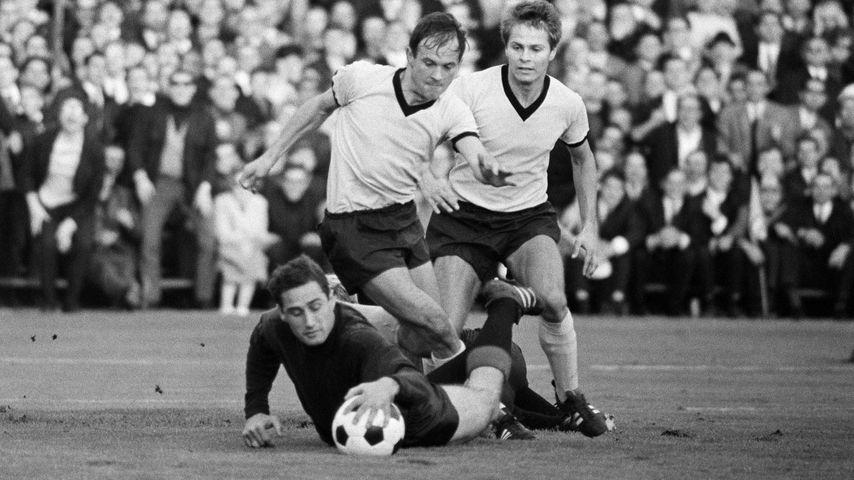 Hans Tilkowski bei einem Fußballspiel