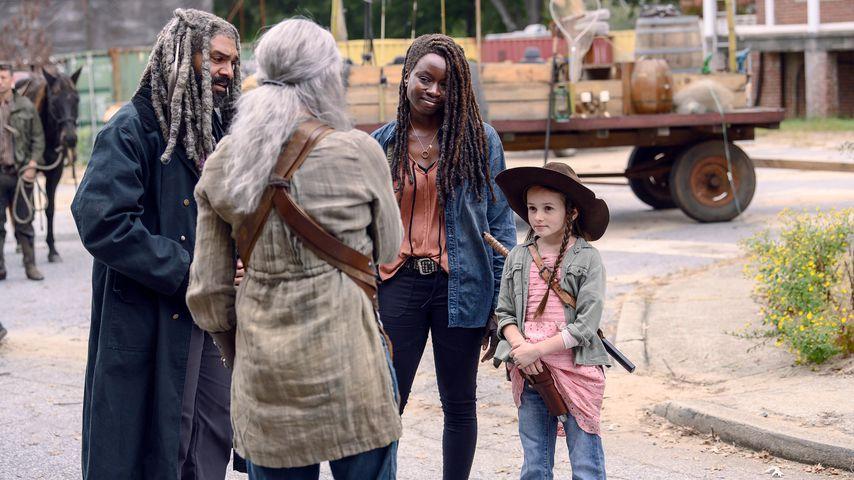"Khary Payton, Melissa McBride, Danai Gurira und Cailey Fleming in ""The Walking Dead"""