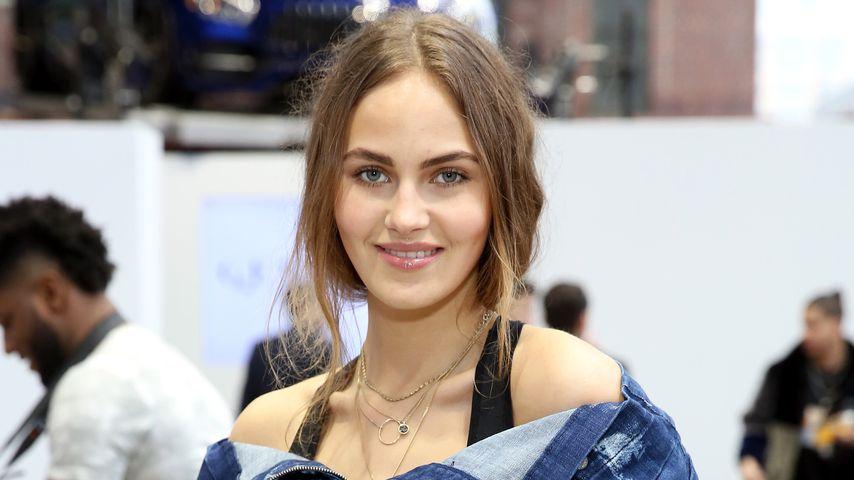 Elena Carrière, Model