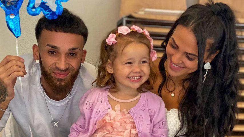 Elena Miras mit ihrer Tochter Aylen und ihrem Freund