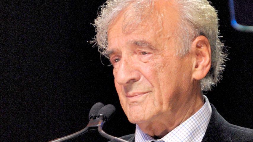 Elie Wiesel während einer Rede in Toronto